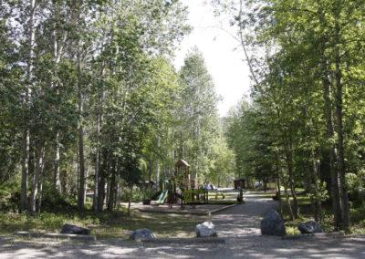 Aire de jeu du camping de Liard River